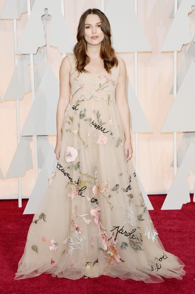WTFSG_keira-knightley-valentino-couture-gown-oscars-2015
