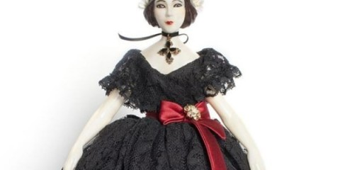 WTFSG_one-of-a-kind-dolcegabbana-doll-to-be-auctioned