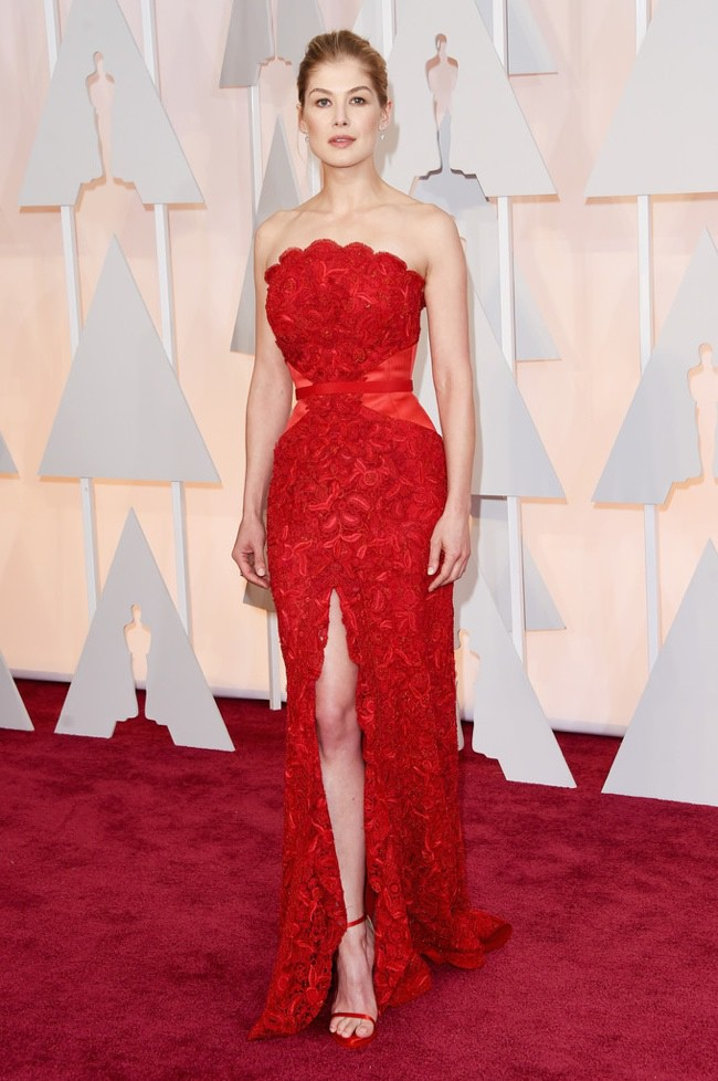 WTFSG_rosamund-pike-red-givenchy-dress-oscars-2015