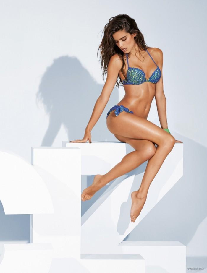 WTFSG_sara-sampaio-calzedonia-swimsuit-2015-bikini_9