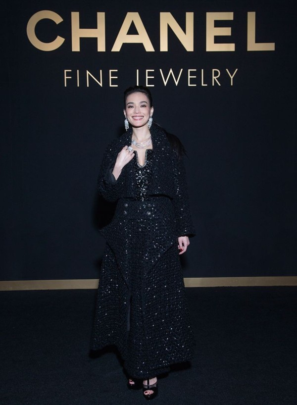 WTFSG_shu-qi_chanel_sous-le-signe-du-lion-fine-jewelry-exhibition_1