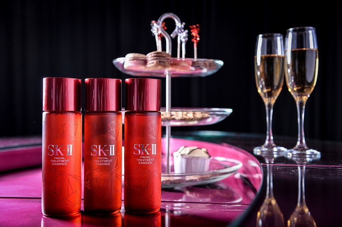 WTFSG_sk-ii-limited-edition-swarovski-signature-print-bottle_1