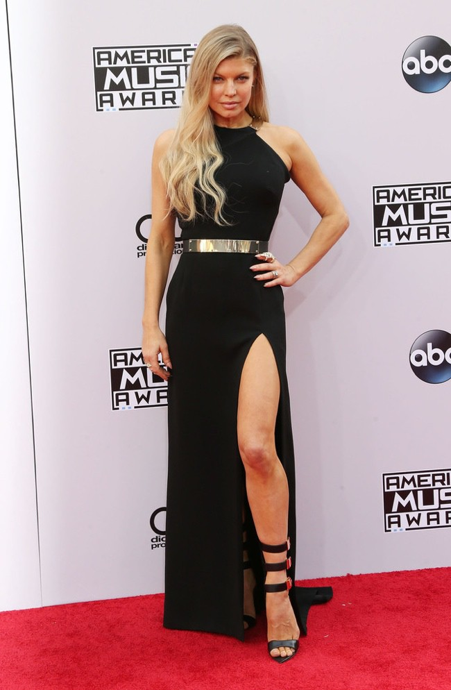 WTFSG_2014-american-music-awards-red-carpet_fergie-haltson-heritage