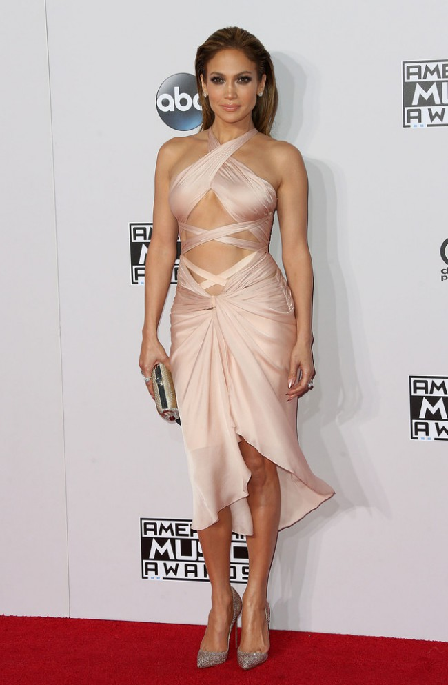 WTFSG_2014-american-music-awards-red-carpet_jennifer-lopez-reem-acra
