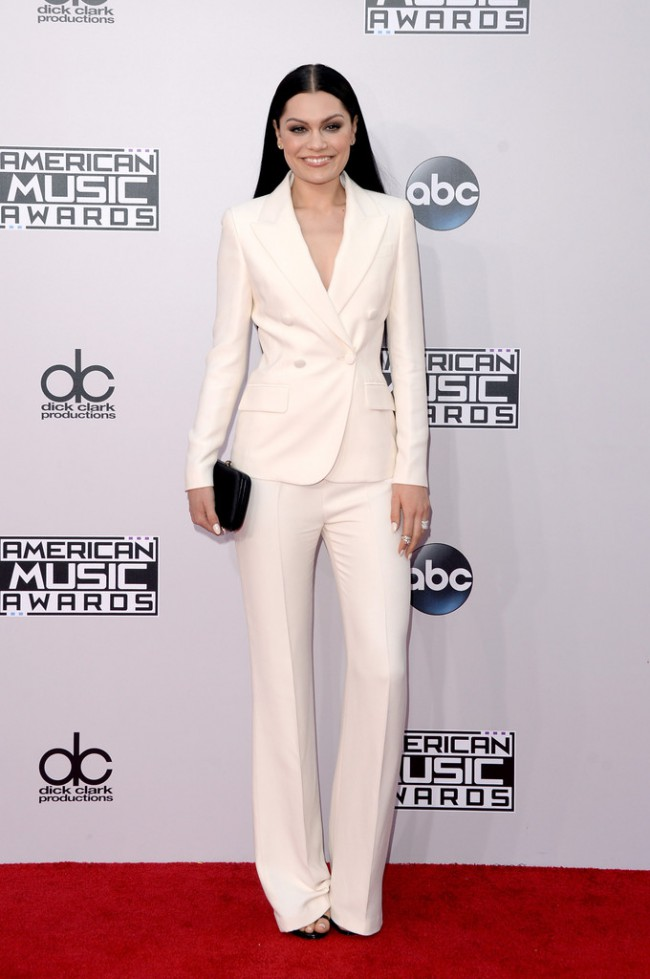 WTFSG_2014-american-music-awards-red-carpet_jessie-j