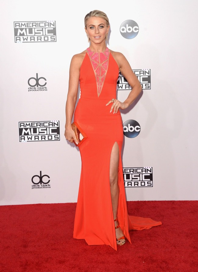 WTFSG_2014-american-music-awards-red-carpet_julianne-hough-zuhair-murad