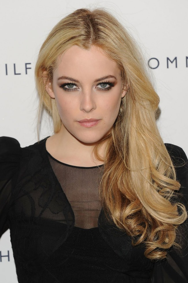 WTFSG_celebrities-daughter_Riley-Keough