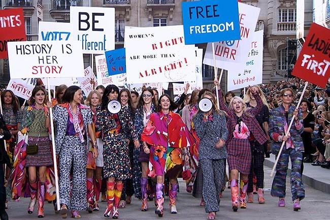 WTFSG_chanel-finale-feminism-spring-2015