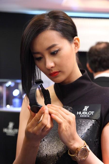 WTFSG_hublot-hk-charms-lady-watch-lovers_1