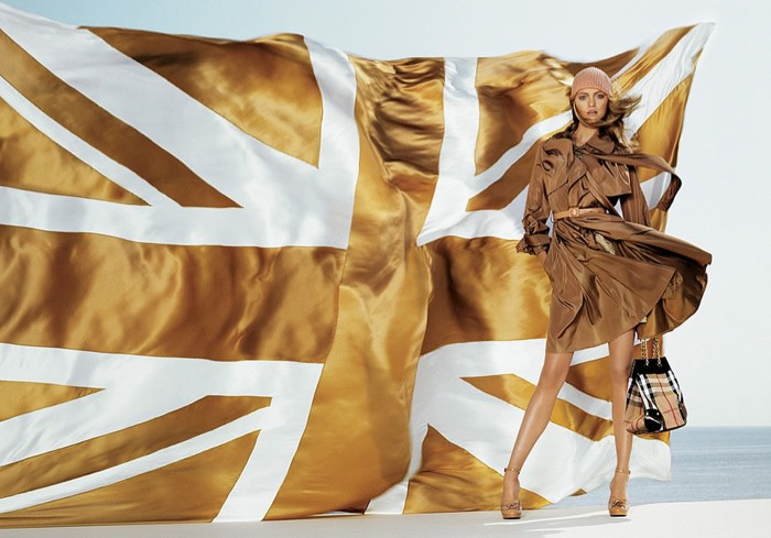 WTFSG_burberry-trench-dress-2006