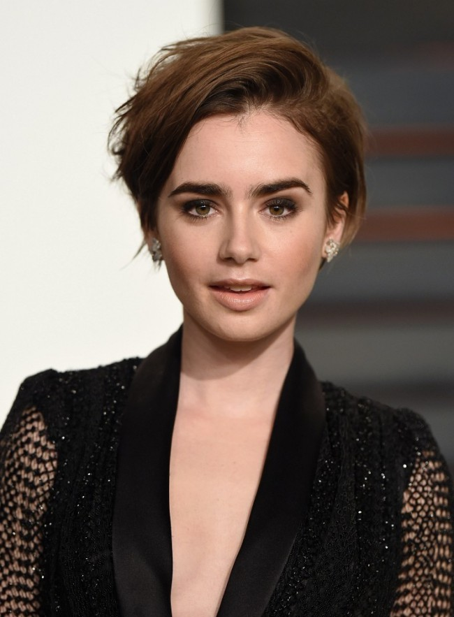 WTFSG_celebrity-pixie-haircut_lily-collins