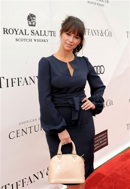 WTFSG_prince-williams-royal-salute-team-wins-foundation-polo-challenge_Jennifer-Love-Hewitt