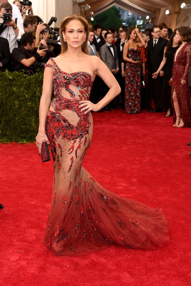 WTFSG_2015-met-gala-red-carpet-style_jennifer-lopez