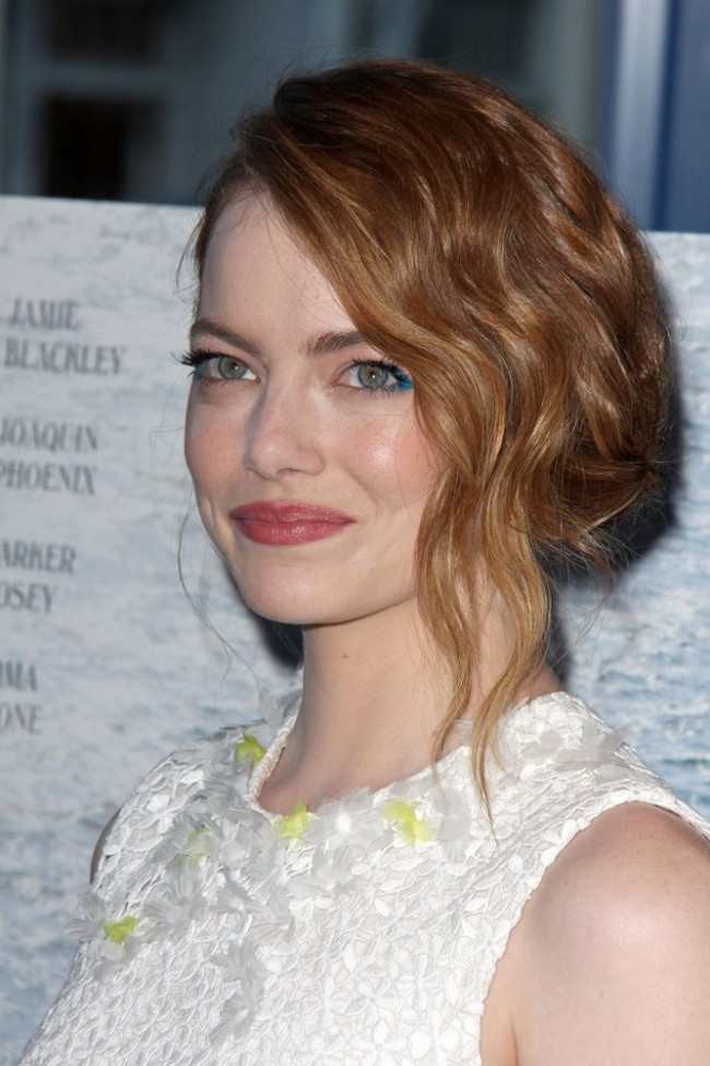 WTFSG_Emma-Stone-White-Giambattista-Valli-Dress_2