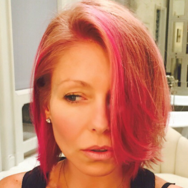 WTFSG_Kelly-Ripa-Pink-Hair_1