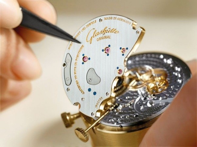 WTFSG_behind-the-scenes-glashutte-original-world-of-haute-horology_4