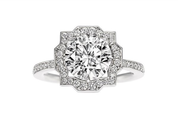 WTFSG_guide-how-to-buy-a-diamond-engagement-ring_Harry-Winston_Belle-Collection