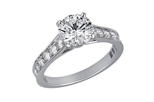 WTFSG_guide-how-to-buy-a-diamond-engagement-ring_cartier-solitaire