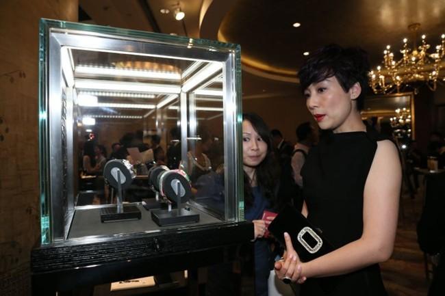 WTFSG_hublot-auctions-big-bang-caviar-steel-diamonds-charity_1