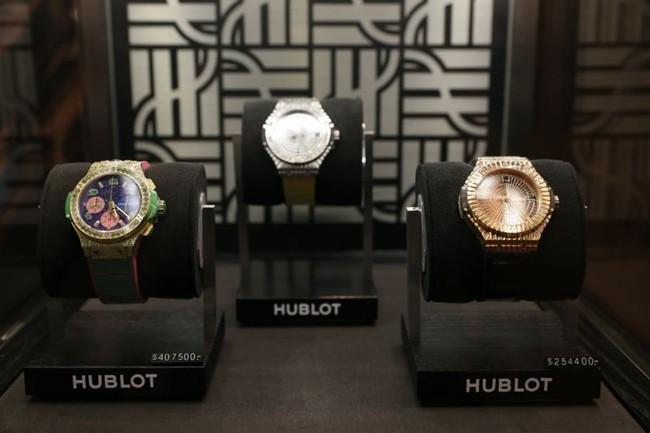 WTFSG_hublot-auctions-big-bang-caviar-steel-diamonds-charity_2
