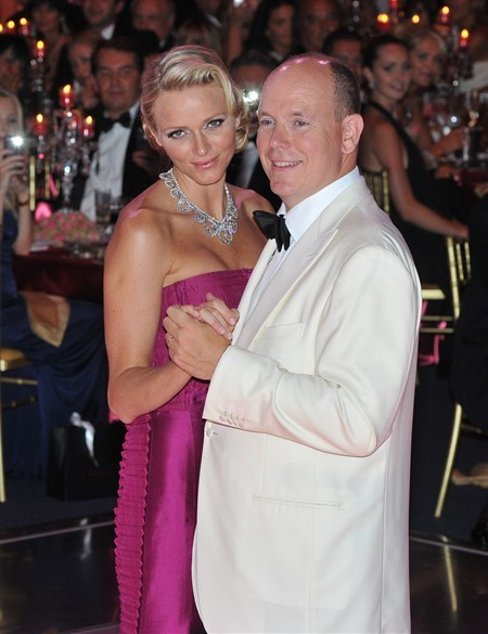 WTFSG_princess-charlene-van-cleef-arpels-red-cross-ball_2
