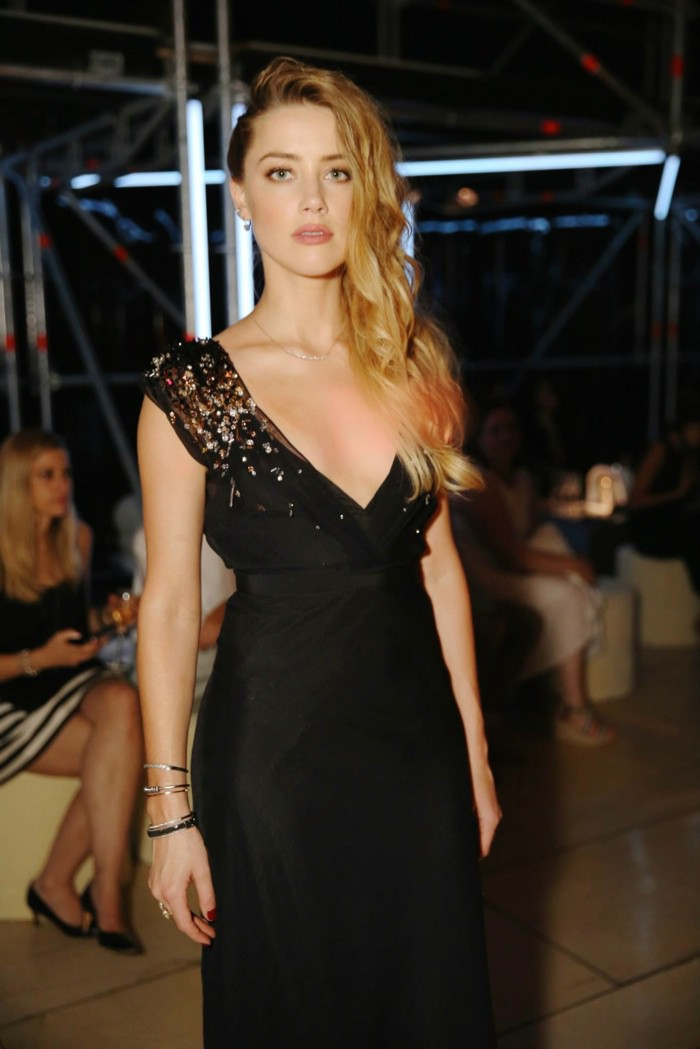 WTFSG_star-studded-miu-miu-club-event-paris_Amber-Heard
