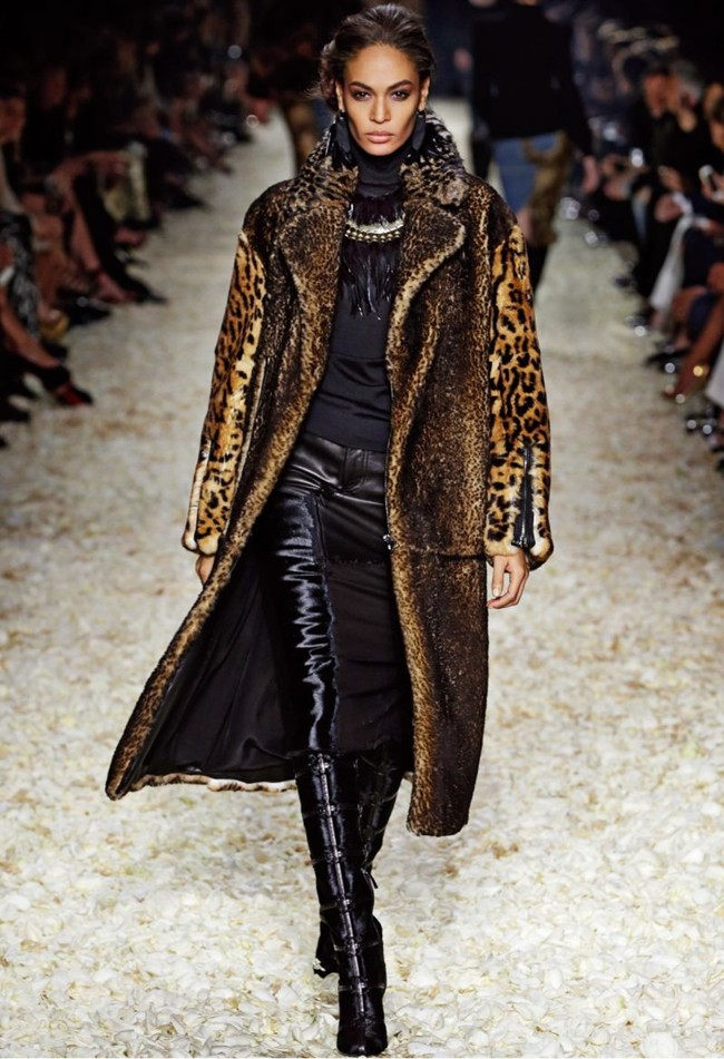 WTFSG_tom-ford-women-fall-winter-2015_2