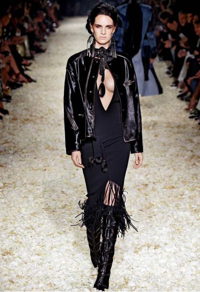WTFSG_tom-ford-women-fall-winter-2015_4