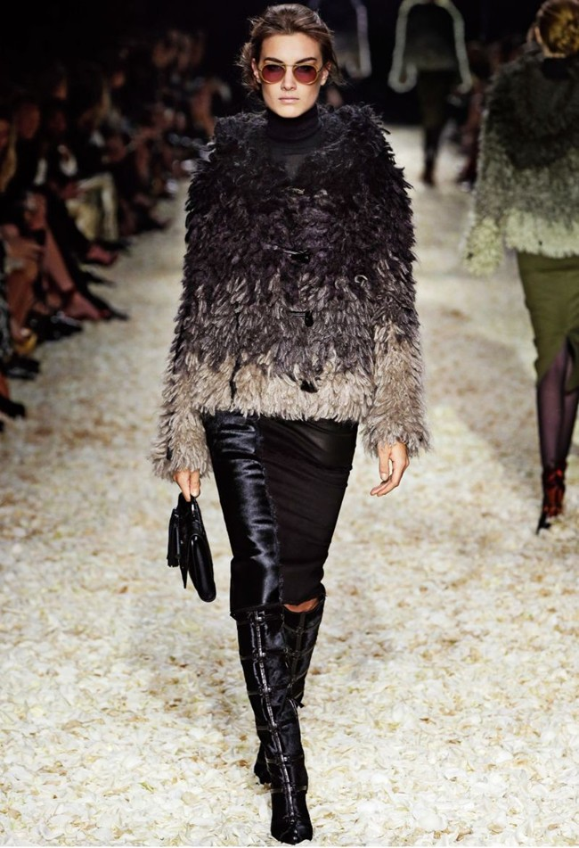 WTFSG_tom-ford-women-fall-winter-2015_6