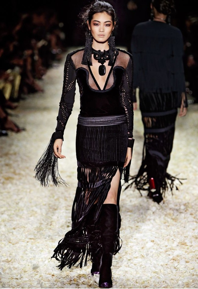 WTFSG_tom-ford-women-fall-winter-2015_9