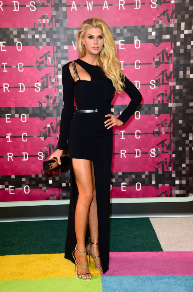 WTFSG_2015-mtv-video-music-awards-style_Charlotte-McKinney