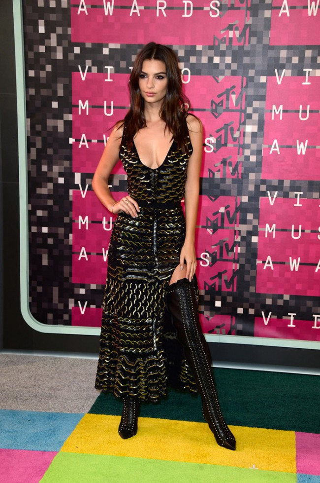 WTFSG_2015-mtv-video-music-awards-style_Emily-Ratajkowski