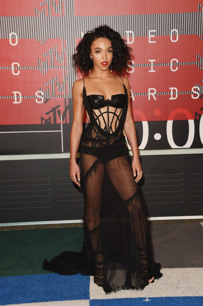 WTFSG_2015-mtv-video-music-awards-style_FKA-Twigs