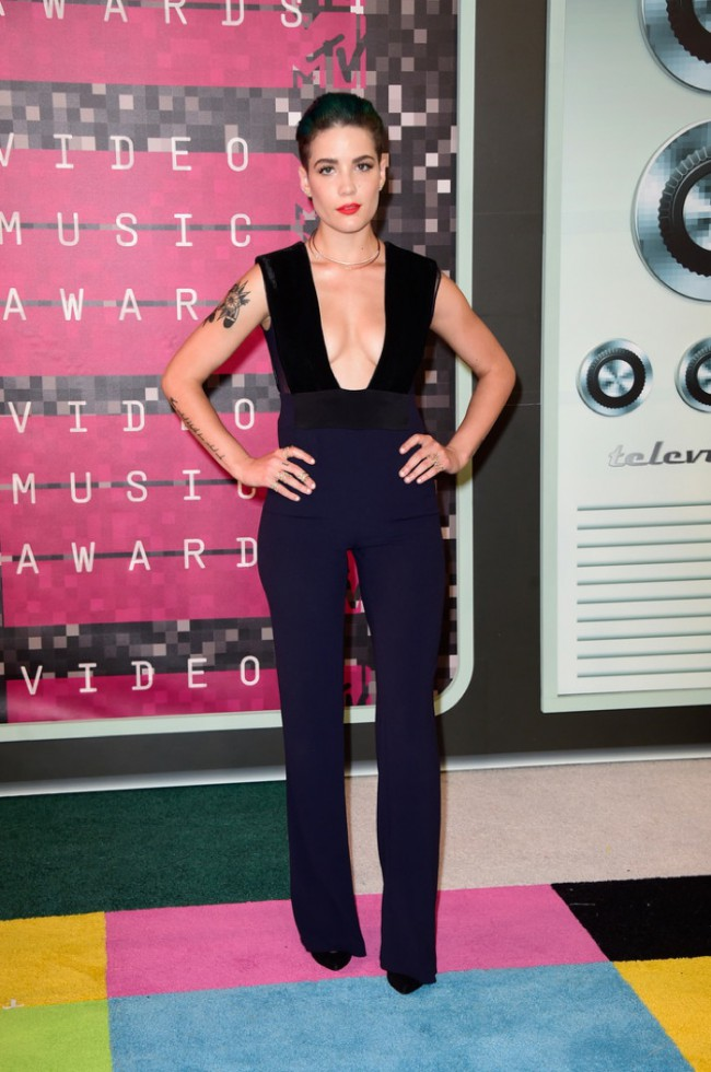WTFSG_2015-mtv-video-music-awards-style_Halsey