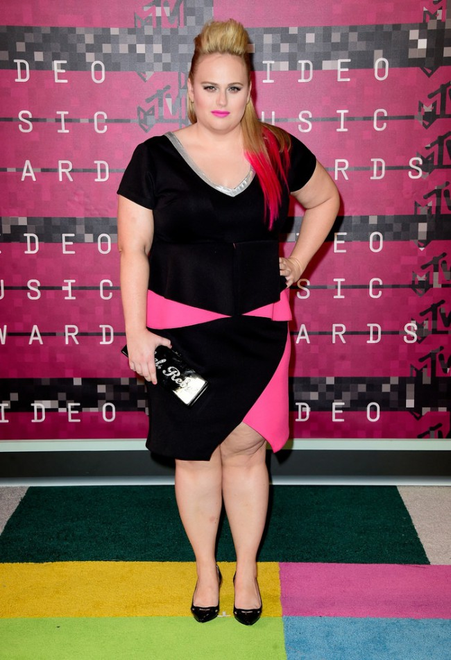 WTFSG_2015-mtv-video-music-awards-style_Rebel-Wilson