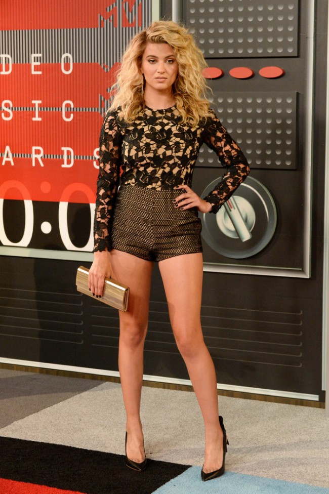 WTFSG_2015-mtv-video-music-awards-style_Tori-Kelly