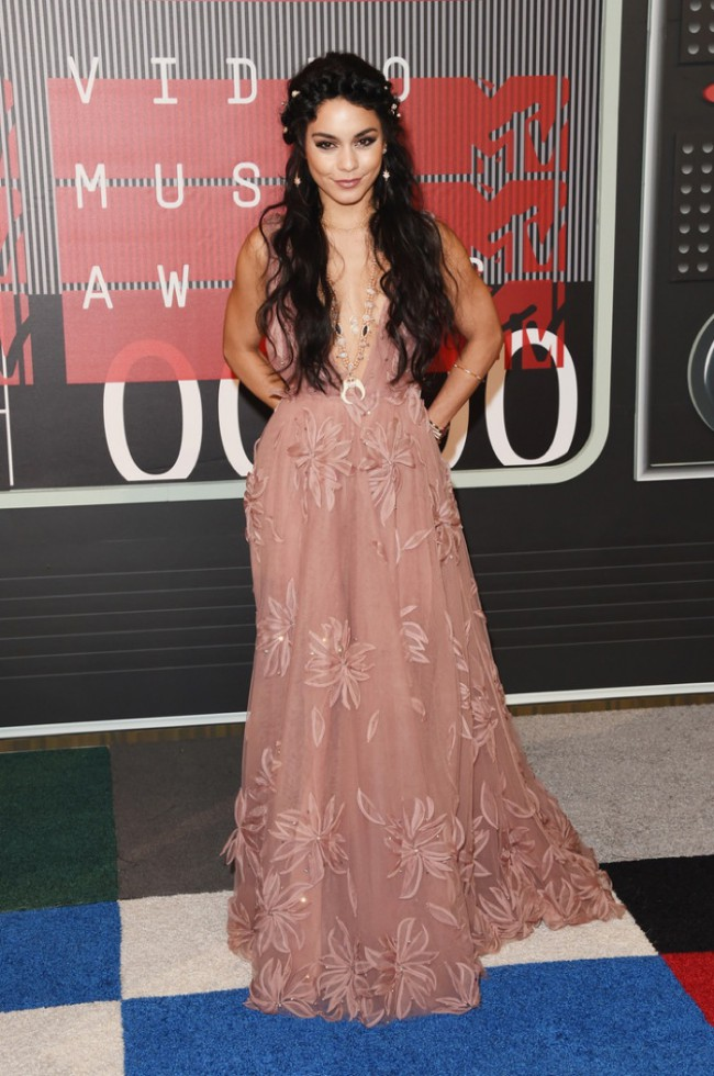 WTFSG_2015-mtv-video-music-awards-style_Vanessa-Hudgens