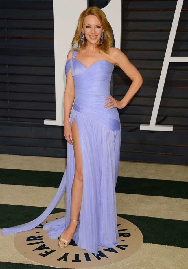 WTFSG_2015-vanity-fair-oscars-party_kylie-minogue