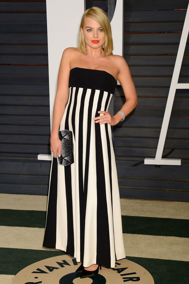 WTFSG_2015-vanity-fair-oscars-party_margot-robbie