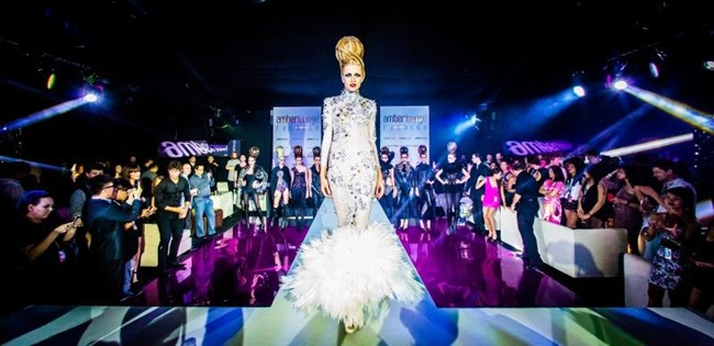WTFSG_amber-lounge-singapore-exhibit-10-million-world-of-diamond-masterpieces_1