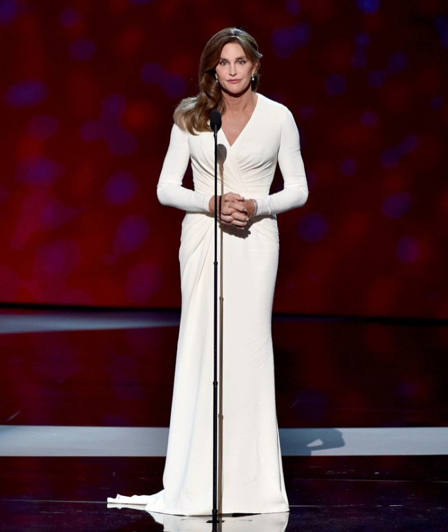 WTFSG_caitlyn-jenner-versace-dress-epsy-awards-2015_1