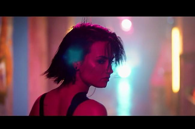 WTFSG_demi-lovato-cool-for-the-summer_music-video_1