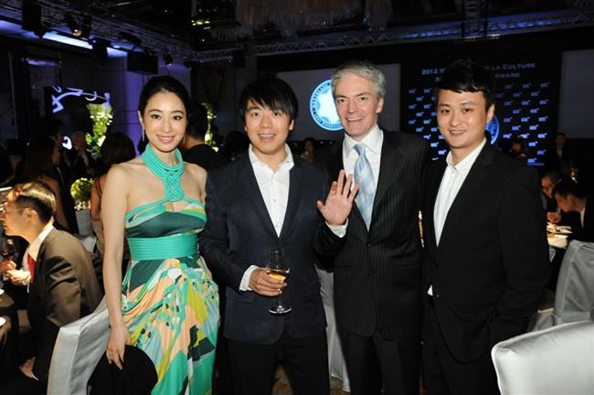 WTFSG_montblanc-de-la-culture-arts-patronage-award-2012_4