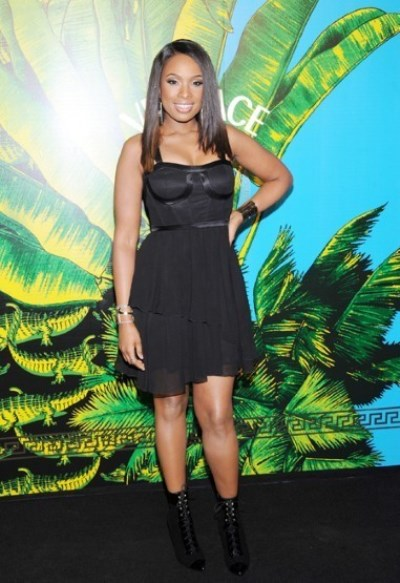 WTFSG_new-york-runway-the-versace-for-hm-collection_Jennifer-Hudson