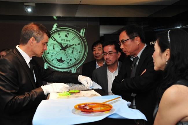 WTFSG_patek-philippe-chronographs-exhibition-singapore_13