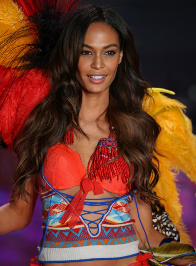 WTFSG_top-models-dark-brown-hair_Joan-Smalls