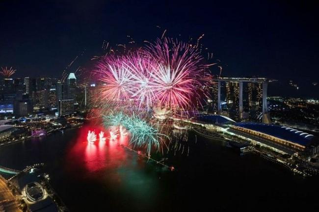 WTFSG_watch-sg50-ndp-fireworks-zafferano
