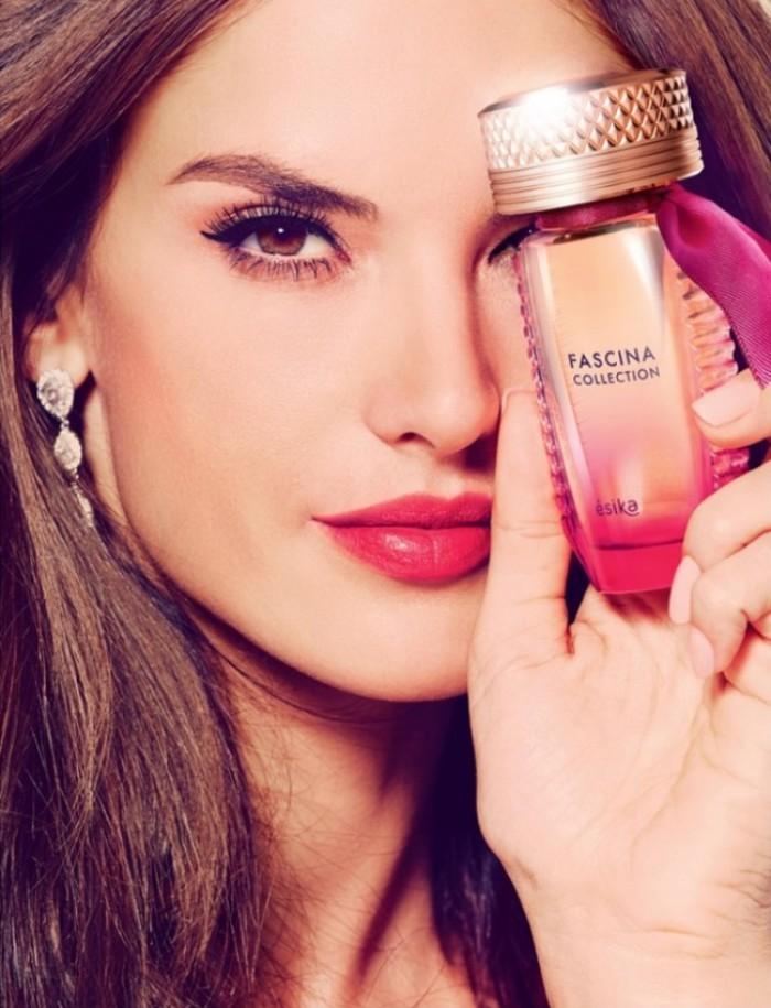 WTFSG_Alessandra-Ambrosio-Fascina-Fragrance-Ad_4