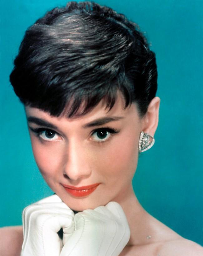 WTFSG_Audrey-Hepburn-Bangs-1950s-Hairstyles