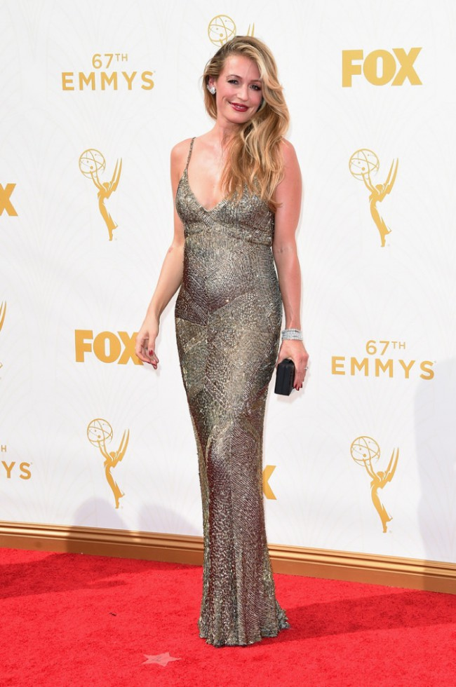 WTFSG_Cat-Deeley-Pregnant-2015-Emmys-Dress